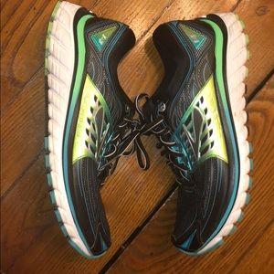 Pair of Brooks Women Tennis Shoe